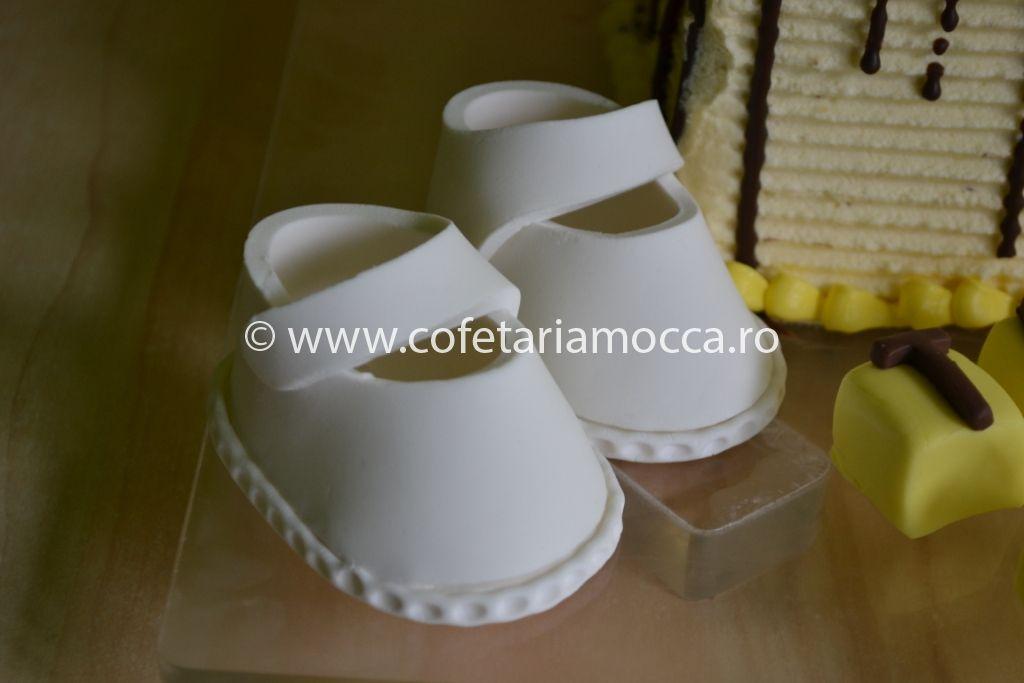 Tort Botez Cu Rochita Cod 056 B Cofetăria Sweet Mocca Oradea